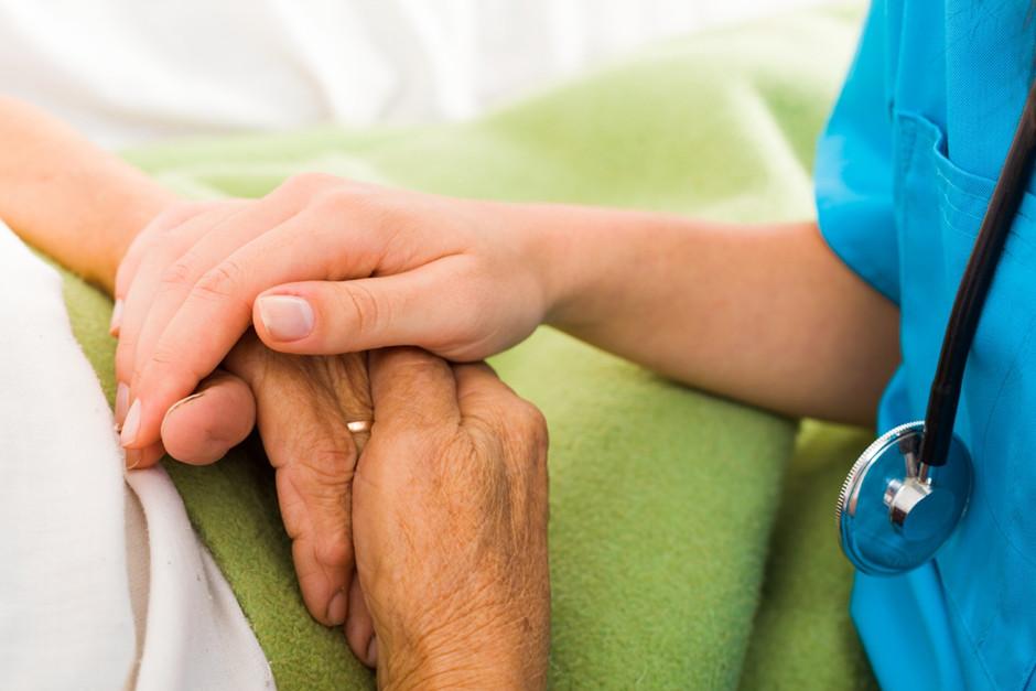 nurses give psychological support